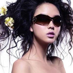 眼镜美女选镜关注混色艺术