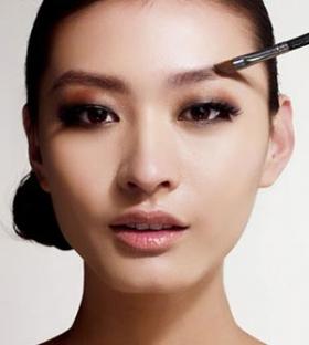 谁的玉足最美 女星的/哪位女星的玉足最美/中国女星玉足图片/明星玉足光脚丫图片