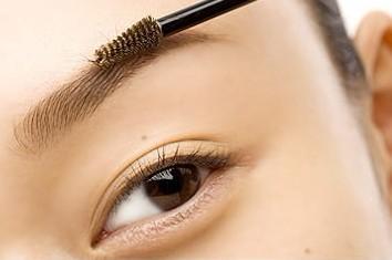 初学化妆者画眉毛的步骤