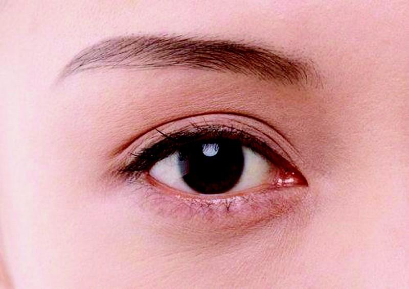 眼珠发黄是怎么回事。